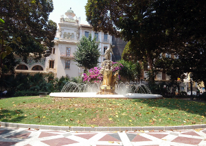 Alicante park with fountain