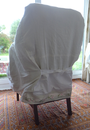 Loose chair cover with ribbon bow back tie