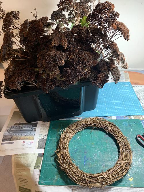 Wreath making step 1 garden base