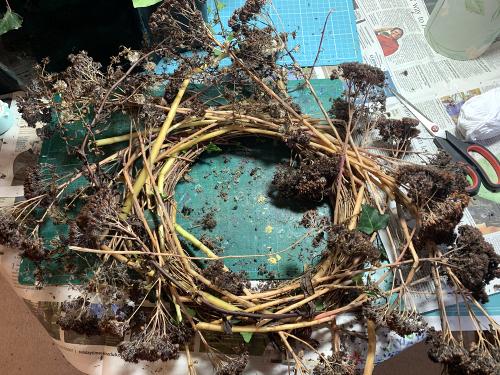 Festive wreath making step 2